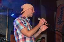 V kroměřížském kulturním domě zahrála v sobotu 30. října 2011 kapela Lunetic