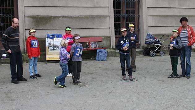 Děti v sobotu v Kroměříži už po páté soutěžily ve hře petanque