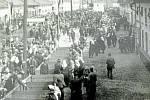 BÍLANY, MÍSTNÍ CHOVATELSKÁ VÝSTAVA. Poklidný život v Bílanech vždy rozvířily místní chovatelské výstavy prvotřídního dobytka, které byly vyhlášeny v širokém okolí. Jejich návštěvnost byla vysoká.