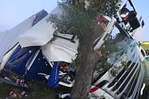 Dopravní nehoda kamionu u Zástřizel.