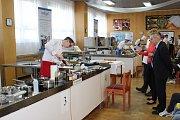 Už šestým rokem pořádala kroměřížská Střední škola hotelová a služeb mezinárodní gastronomickou soutěž Gastro Kroměříž.