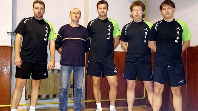 Stolním tenistům TJ Holešov patří v divizi až jedenácté místo.