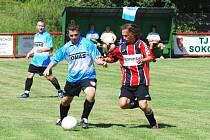 Pravčice (v modrém) vyhrály v prvním kole na hřišti rezervy Mysločovic.
