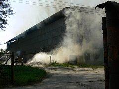 Ve Skašticích se v sobotu 27. srpna ráno vznítil seník u jezdeckého areálu.
