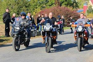 Více než dvě stovky motorkářů se sjely v sobotu 13. října 2018 do Zdounek.