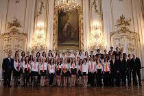Pěvecký sbor AVE získal stříbrné plátno na celostátní soutěži v Opavě.