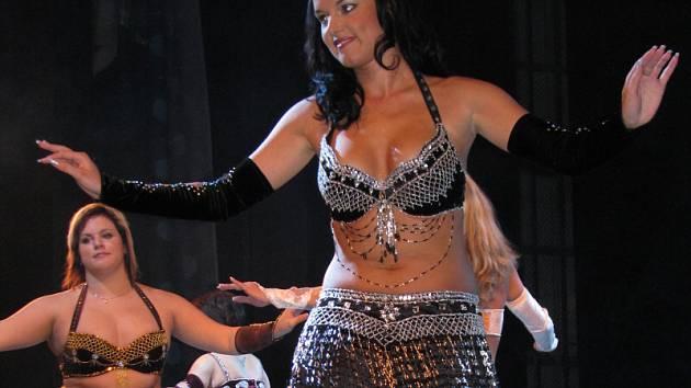 V kroměřížském Domě kultury se konala orientální show.