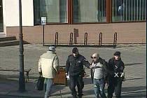 Spor dvou mužů rozhodli až policisté.
