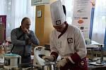 VÍTĚZ V AKCI. V kategorii kuchař porota jako vítěze vyhodnotila studenta 1. ročníku Ondřeje Kubů z Prahy.