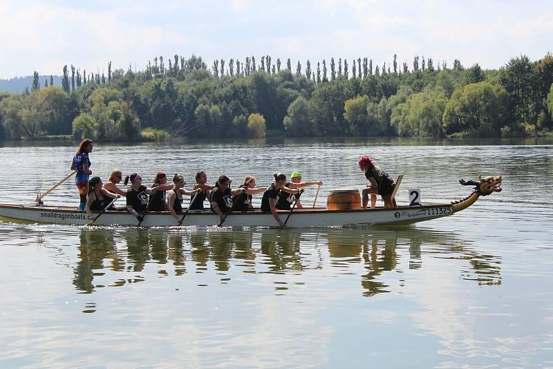 Vletošním čtvrtém ročníku Kroměřížského draka závodily dvě desítky posádek zcelé Moravy, a to hned vněkolika kategoriích.