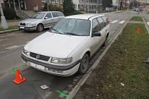 V Tovačovské ulici srazil řidič Volkswagenu v neděli 20.12. krátce po deváté hodině dopoledne ženu na přechodu.