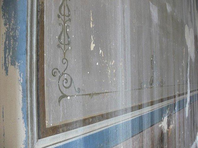 Během rekonstrukce Muzea Františka Skopalíka v Záhlinicích u Hulína byly objeveny malby z devatenáctého století.