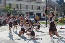 V Holešově na náměstí E. Beneše byla 2. 6. 2008 vystoupením mažoretek zahájena tradiční akce Sedm dní města Holešova.