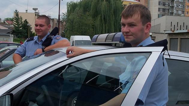 Policisté obvodního oddělení zachránili nedávno život jednašedesátietému muži z Kroměříži.