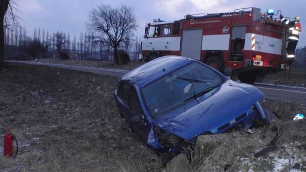 Řidiči bourali u Loukova a u Bělova