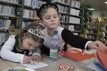 V Knihovně Kroměřížska se v pondělí 14. února 2011 konala valentýnská akce. Děti například vymalovávaly zamilované obrázky.