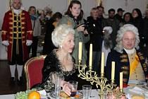 Na kroměřížském Arcibiskupském zámku se už déle než týden natáčí. Jedná se o film o Marii Terezii, který v koprodukci s dalšími třemi zeměmi chystá Česká televize.