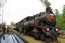 Trasy Tovačov – Kroměříž – Zborovice křižoval v sobotu 22. května 2010 parní vlak s lokomotivou 433.002 Matěj.