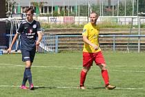 Stoper Pavel Hloch (ve žlutém dresu) se vrátil do Kroměříže po půlroce, který strávil ve Frýdku-Místku.
