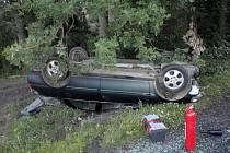 Řidič se z vozu dostal ven a odmítl lékařské ošetření.