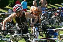 Třináctý ročník závodu v lidovém triatlonu Morkovské chlap se konal v sobotu 16. července v Morkovicích-Slížanech. Závodu se zúčastnilo dvě stě soutěžících. Celkovým vítězem se stal Přemysl Žaludek z klubu Cyklogat Zlín