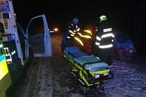 Dopravní nehodu osobního auta museli ve čtvrtek 21.1. brzy ráno řešit hasiči, policisté a záchranáři u Jarohněvic.