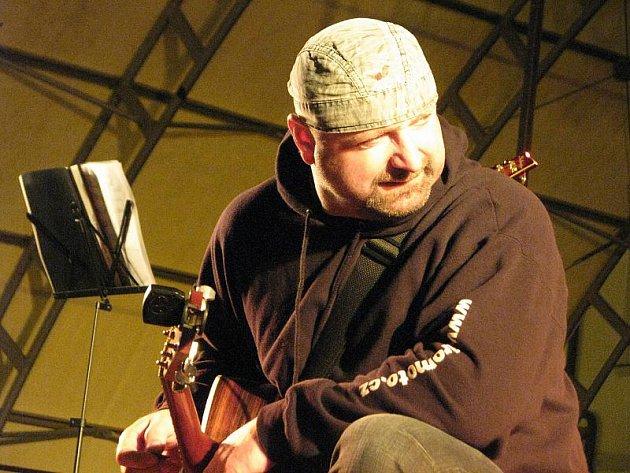V Kroměříži zahrál v úterý 14. prosince 2010 při příležitosti prvního ročníku desetidenního vánočního jarmarku Jiří Zonyga, vítěz hudební soutěže X-FAKTOR.