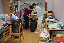 Studio Kamarád v Kroměříži vyhlásilo Tříkrálovou sbírku oblečení, obuvi, hraček, knih, sportovních potřeb a jiných užitečných věcí. Věci odvezou do Azylového domu pro maminky s dětmi, pro muže a děti do Klokánku.