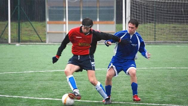 Na umělém trávníku v Hulíně porazila domácí Admira Mrlínek jen 1:0.