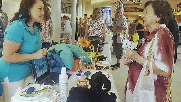 Na tři stovky zájemců si ve čtvrtek v prostorách Domu kultury v Kroměříži přišli užít Mezinárodní den ošetřovatelství, který tam tradičně pořádá Střední zdravotnická škola.