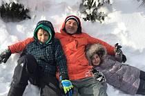 Jan Dušek s dětmi.