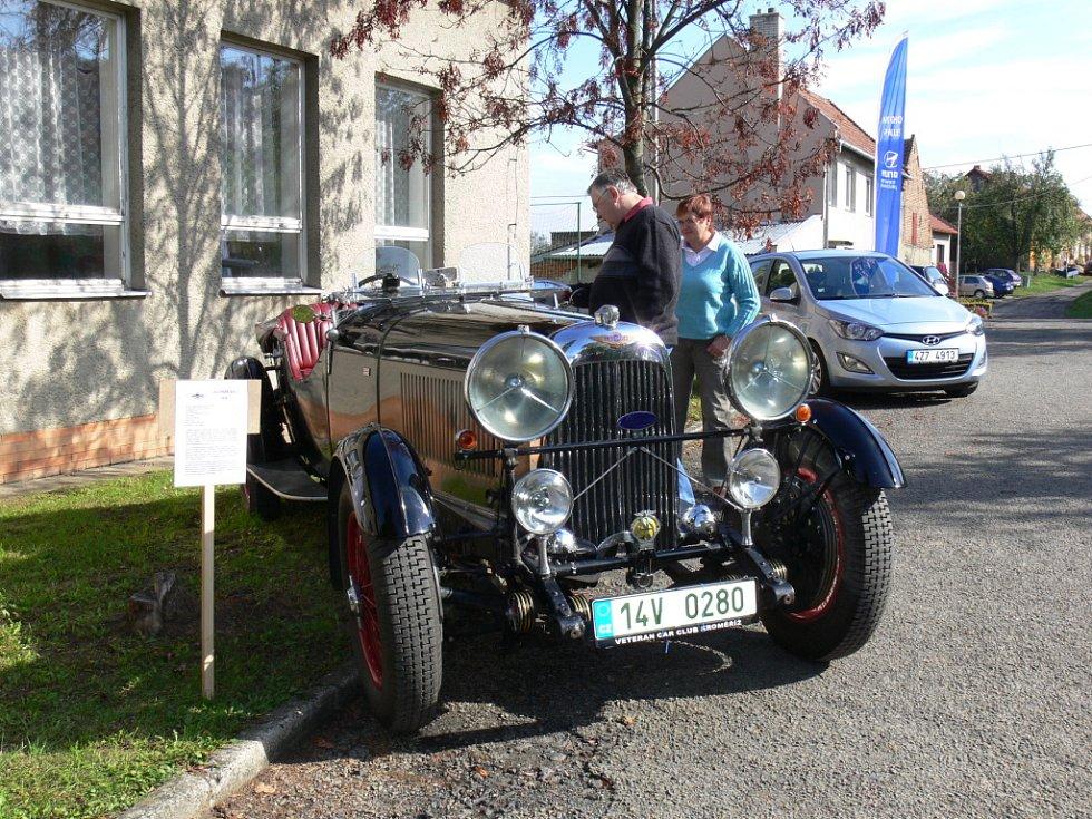 Výstava s názvem Vývoj dopravních prostředků se uskutečnila v sobotu 13.10 v Soběsukách od jedné hodiny odpoledne u tamní restaurace U Markuse.