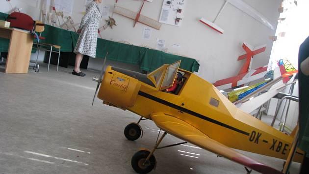 Modeláři vystavovali lodě i terénní auta