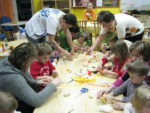 Centrum Klubíčko děti zahalily do zimy