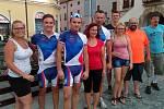 Metrostav Handy Cyklo Maraton: takový název nese akce, která ve čtvrtek 3. srpna projela také Kroměříží. Čtyřiatřicet čtyřčlenných nebo osmičlenných týmů se střídá štafetově zhruba po 25 až 30 kilometrech, složeny jsou přitom ze zdravých i handicapovaných