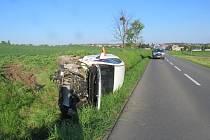 Krkolomnou dopravní nehodu museli na prvomájové pondělí hned po šesté hodině ráno řešit kroměřížští dopravní policisté mezi obcemi Bělov a Kvasice.