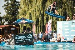 Krom Wars: klání ve freeskiingu neboli akrobatických skocích do vody. Ilustrační foto