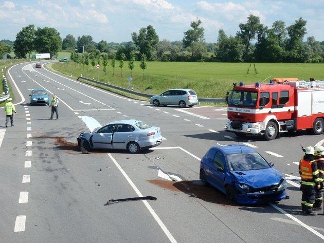 Dopravní nehoda u Bezměrova.