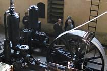 Občanské sdružení Orlovna otevřelo nový výstavní prostor v zámecké vodárně v Kroměříži. Uvnitř je původní technické zařízení z roku 1904.