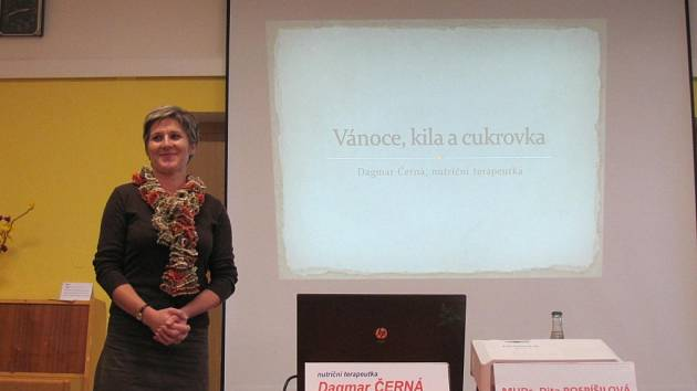 Centrum zdraví Střední zdravotnické školy v Kroměříži uspořádalo ve středu 28. 11. přednášku na téma Vánoce u diabetiků. Vystoupila nutiční terapeutka Dagmar Černá a diabetoložka Dita Pospíšilová.