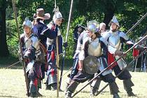 V kroměřížské Podzámecké zahradě se v sobotu 9. července konala rekonstrukce bitvy Dobytí Kroměříže Švédy.