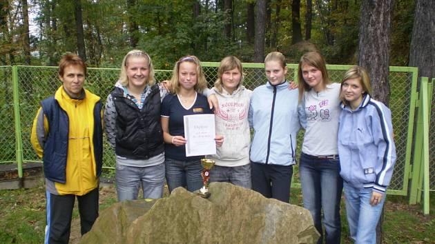 Holešovská děvčata se po vítězství v okresním kole kvalifikovala do další fáze.