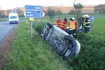 Dopravní nehoda poblíž obce Karolín u Kvasic.