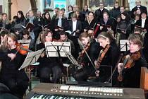 V kostele svatého Jana Křtitele v Morkovicích se ve čtvrtek 17. listopadu uskutečnil koncert ke státnímu svátku.