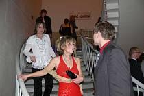 V pátek 3. února 2012 se konal v kroměřížském kulturním domě ples Jazykové školy Athena a sdužení ples.km.