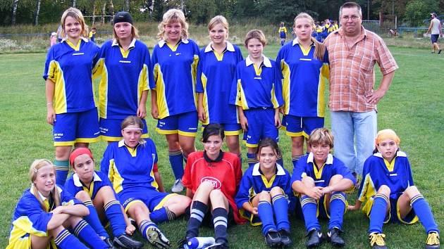 Do desítky chyběl děvčatům jen jeden gól.