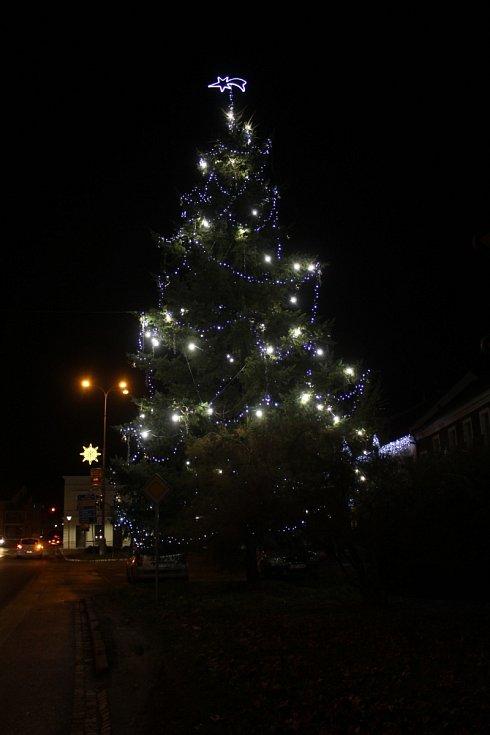 Vánoční strom 2020 v Kunovicích