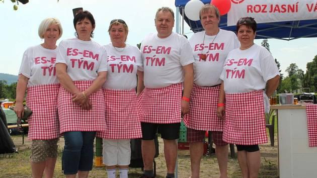 Přes tři tisícovky návštěvníků a patnáct soutěžních týmů: takový byl v sobotu 30. května v Holešově třetí ročník Zámeckého gulášfestu.
