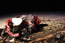 Nehoda cisterny a dvou osobních vozů