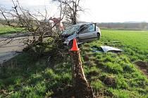 S lehkým zraněním vyvázla v úterý ráno dvaadvacetiletá řidička po nehodě mezi obcemi Zlobice a Lutopecny. K nehodě došlo po půl sedmé.